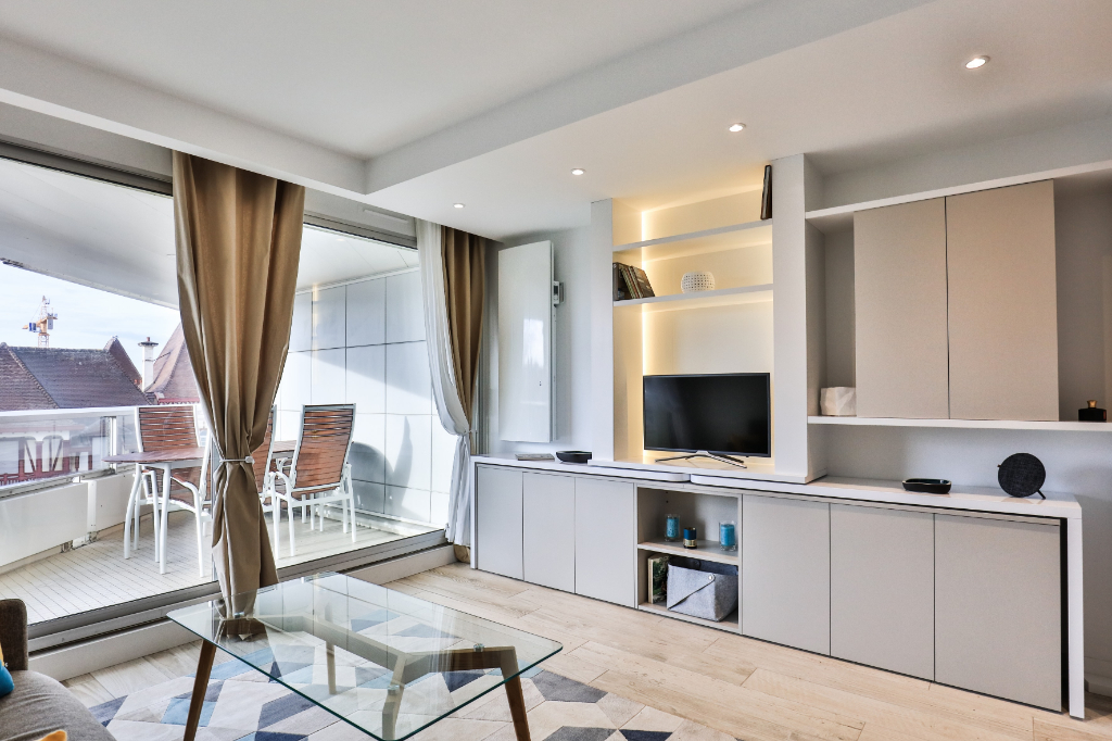APPARTEMENT BIARRITZ DE 29M² . QUARTIER IMPERIAL. VUE MER
